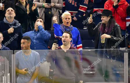 Tyler Adams (L) and Anne Burrell (C)