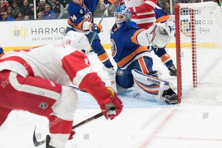 d062198b60f Detroit Red Wings v New York lslanders Stock Photos (Exclusive ...