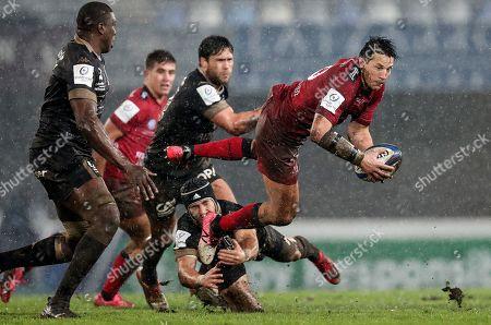 Montpellier vs RC Toulon. Toulon's Francois Trinh-Duc on the attack