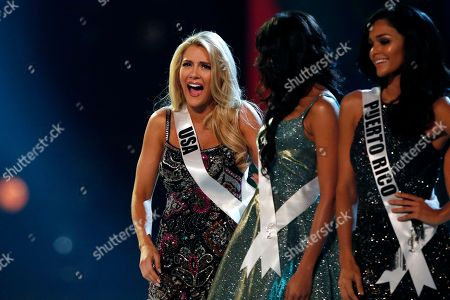 Miss USA Sarah Rose Summers (L) reacts on the stage during the Miss Universe 2018 beauty pageant at Impact Arena in Bangkok, Thailand, 17 December 2018. Women representing 94 nations will participate in the 67th Miss Universe 2018 beauty pageant in Bangkok.