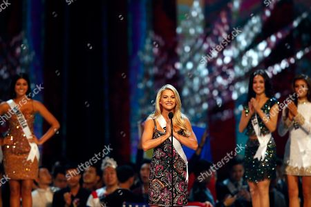 Miss USA Sarah Rose Summers (C) greets in the Thai traditional way during the Miss Universe 2018 at Impact Arena in Bangkok, Thailand, 17 December 2018. Women representing 94 nations participate in the 67th Miss Universe 2018 beauty pageant in Bangkok.