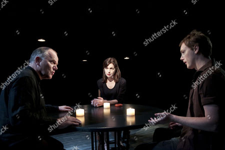 Stock Photo of 'The Shawl' - l-r: Matthew Marsh (John), Elizabeth McGovern (Miss A) and Paul Rattray (Charles)