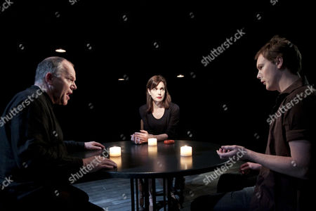 Stock Image of 'The Shawl' - l-r: Matthew Marsh (John), Elizabeth McGovern (Miss A) and Paul Rattray (Charles)