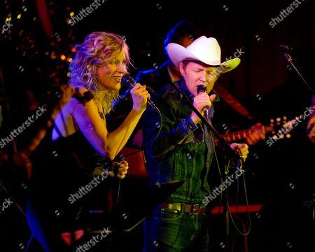 Stock Image of Jim Cuddy Band - Melissa McClelland and Luke Doucet