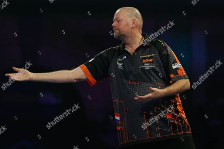Raymond van Barneveld getting frustrated during the World Championship Darts 2018 at Alexandra Palace, London