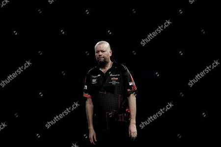 The body language says it all. Raymond van Barneveld looking dejected during the World Championship Darts 2018 at Alexandra Palace, London