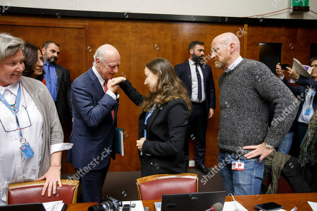 UN Special Envoy for Syria Staffan de Mistura, (L), greets journalists after his press conference following the consultations on Syria, at the European headquarters of the United Nations in Geneva, Switzerland, 18 December 2018. High-level representatives of Russia, Turkey and Iran meet with the UN Special Envoy for Syria on the situation in Syria.