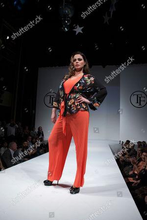 Marisa Jara on the catwalk