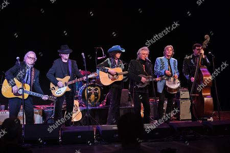 Chris Hillman, Roger McGuinn, Marty Stuart, Kenny Vaughan, Harry Stinson, Paul Martin