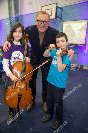 Big Noise Raploch brought down the curtain on their 10th Birthday celebrations with a very special Christmas concert. More than 150 children and young people took to the stage on Thursday 20th December and delighted audience members with a truly festive performance. New chair of Sistema Benny Higgins with Sienna Harris (8) and Logan Miller (7)