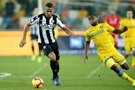 Udinese's William Troost-Ekong (L) and Frosinone's Joel Campbell in action during the Italian Serie A soccer match Udinese Calcio vs Frosinone Calcio at the Friuli-Dacia Arena stadium in Udine, Italy, 22 December 2018.