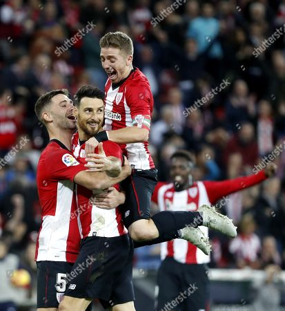 Athletic Club's striker Aritz Aduriz (2-L) celebrates after scoring the opening goal against Valladolid during their Spanish Liga Primera Division soccer match played at San Mames stadium in Bilbao, northern Spain, 22 December 2018.