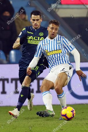 Spal's Thiago Cionek (R) and Udinese's Kevin Lasagna in action during the Italian Serie A soccer match S.P.A.L. vs Udinese Calcio at the Paolo Mazza stadium in Ferrara, Italy, 26 December 2018.