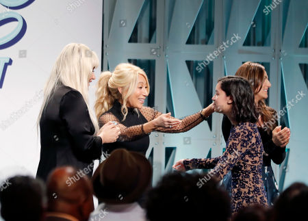 Kesha, from left, Lori Greiner and award winners
