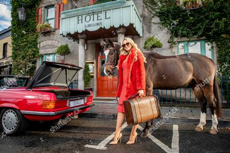 CHECKING IN!. Model and healthy lifestyle guru, Rosanna Davison, checks in to Lawlor?s of Naas Town Centre Hotel ahead of the Lawlor?s of Naas Grade 1 Novice Hurdle and Winter Ladies Day at Naas Racecourse.  . This premier race, the Lawlor?s of Naas Grade 1 Novice Hurdle, will be held at Naas Racecourse on Sunday, January 6th and is the main event on the opening card of the 2019 calendar at the Kildare track. Rosanna will help judge the Best Dressed Lady competition, where the contestants will be competing for a prize fund worth ?4,250. The theme for this year?s competition is ?fashion through time?, and contestants are encouraged to showcase their favourite timeless attire to impress the judges. The best dressed lady on the day will win a luxurious stay at Lawlor?s of Naas, ?1,500 worth of hairdressing and accessories from Alan Keville for Hair, and a ?1,500 voucher from the Residence Spa in Naas. For more information or to purchase tickets or hospitality tickets see www.naasracecourse.com