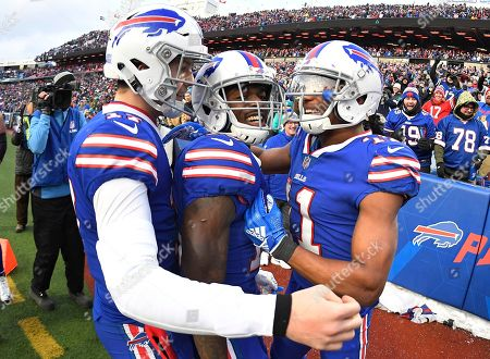 96e6b516174 Buffalo Bills wide receiver Zay Jones