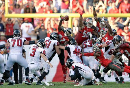 Atlanta Falcons' Matt Bryant (3) kicks the game-winning 37-yard field goal against the Tampa Bay Buccaneers during an NFL football game, in Tampa, Fla