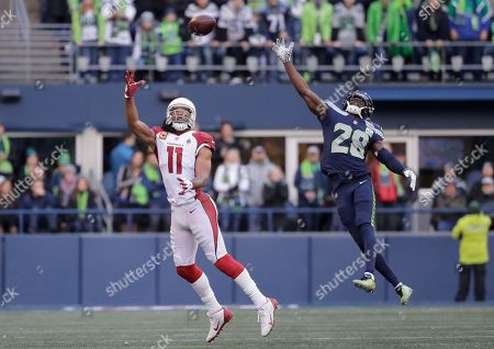 Arizona Cardinals  Larry Fitzgerald (11) just misses a catch in front of  Seattle ... 1994f460c