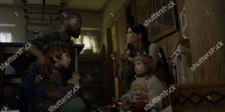 Trevante Rhodes as Tom, Julian Edwards as Boy, Sandra Bullock as Malorie and Vivien Lyra Blair as Girl