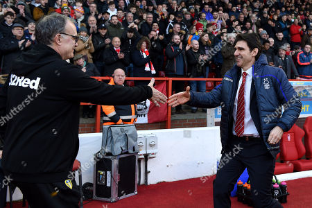 Marcelo Bielsa Manager of Leeds United shakes hands with Aitor Karanka manager of Nottingham Forest.