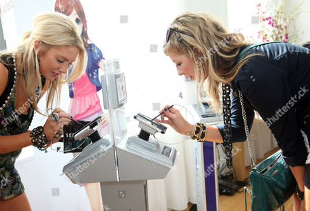 Editorial photo of Nintendo Hosts the DSi Studio During New York Fashion Week - Day Two, New York, America - 15 Sep 2009