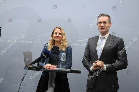 Rasmus Jarlov, Minister for Trade and Business meets with Christiane Vejlo and received recommendation report on data ethics