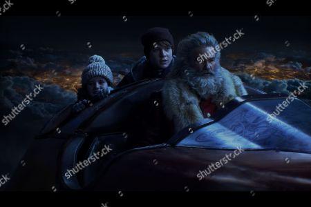 Darby Camp as Kate, Kurt Russell as Santa Claus and Judah Lewis as Teddy