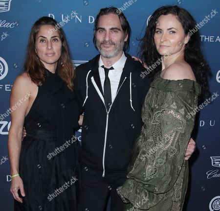 Stock Photo of Summer Phoenix, Joaquin Phoenix and Rain Phoenix