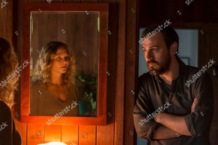 Leeanna Walsman as Bree Gallagher and Ewen Leslie as Ryan Gallagher