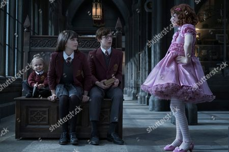 Presley Smith as Sunny Baudelaire, Malina Weissman as Violet Baudelaire, Louis Hynes as Klaus Baudelaire and Kitana Turnbull as Carmelita Spats