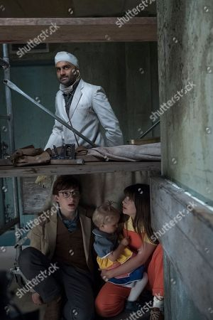 Usman Ally as Hook-Handed Man, Louis Hynes as Klaus Baudelaire, Presley Smith as Sunny Baudelaire and Malina Weissman as Violet Baudelaire