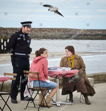 Stock Image of Brenda Blethyn as DCI Vera Stanhope, John Hollingworth as PC Shawn Turnly and Chelsea Edge as Kayleigh Mincham.