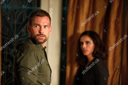 Stock Picture of Seann William Scott as Wesley Cole and Leonor Varela as Sofia