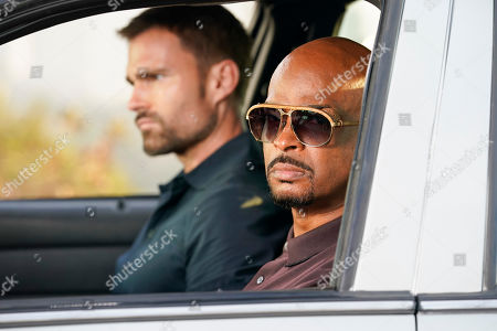 Seann William Scott as Wesley Cole and Damon Wayans as Roger Murtaugh