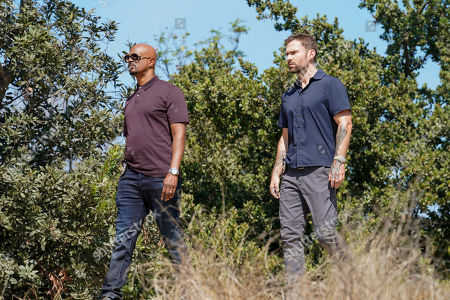 Damon Wayans as Roger Murtaugh and Seann William Scott as Wesley Cole