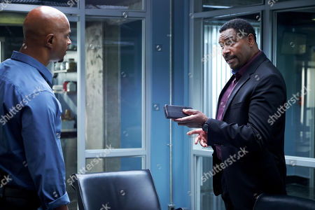 Stock Photo of Damon Wayans as Roger Murtaugh and Mykelti Williamson as Tom Barnes