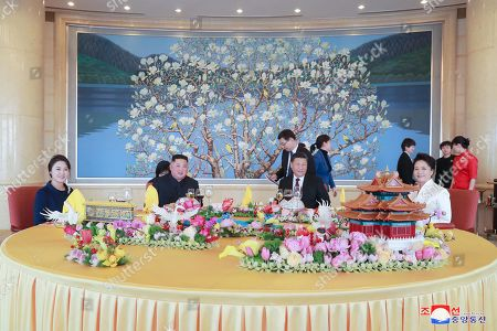 A photo released by the official North Korean Central News Agency (KCNA) shows North Korean leader Kim Jong-un (C-L), his wife Ri Sol-ju (L), Chinese President Xi Jinping (C-R), and his wife Peng Liyuan (R) attending a meeting in Beijing, China, 10 January 2019. North Korean leader Kim Jong-un is in China at the invitation of Chinese President Xi Jinping from 07 to 10 January with his wife Ri Sol-ju.