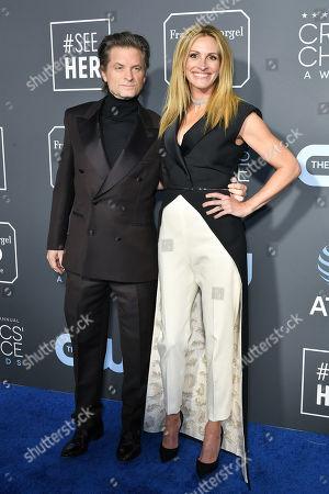 Shea Whigham and Julia Roberts