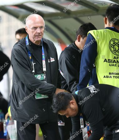 Sven-Goran Eriksson head coach of Philippines salutes his team mates after the 2019 AFC Asian Cup group C preliminary round match between Philippines and China in Abu Dhabi, United Arab Emirates, 11 January 2019.