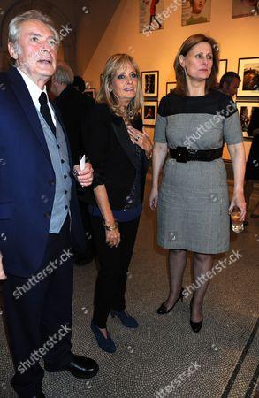 Leigh Lawson, Twiggy and Sarah Brown