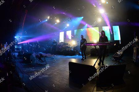 New Order - Phil Cunningham, Stephen Morris, Bernard Sumner, Tom Chapman, Gillian Gilbert