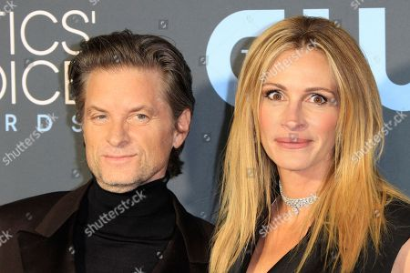 United States actor Shea Whigham (L) and US actress Julia Roberts (R) arrive for the 24th Annual Critics' Choice Awards at Barker Hangar in Santa Monica, California, USA, 13 January 2019. The Critics' Choice Awards honors the finest in cinematic and television achievement.