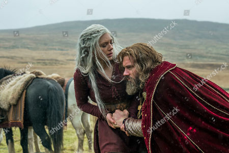 Katheryn Winnick as Lagertha and Clive Standen as Rollo