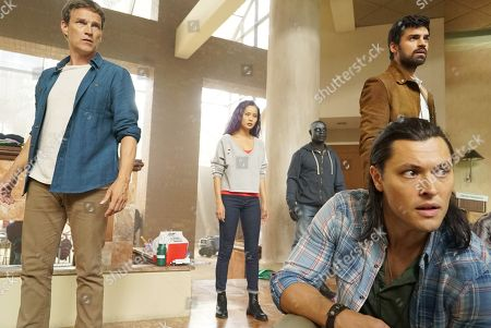Stephen Moyer as Reed Strucker, Jamie Chung as Clarice Fong/Blink, Jermaine Rivers as Shatter, Sean Teale as Marcos Diaz/Eclipse and Blair Redford as John Proudstar/Thunderbird