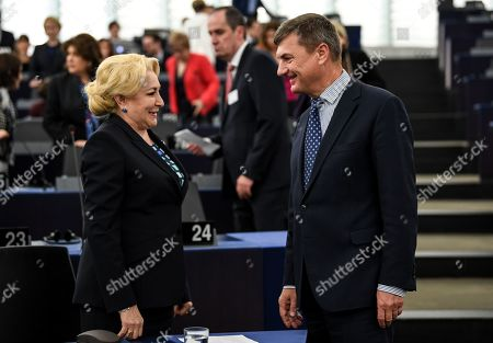 Prime Minister of Romania Viorica Dancila (L)  speaks with European Commissioner for Digital Single Market Andrus Ansip (R) at the European Parliament in Strasbourg, France, 15 January 2019, before the debate on the Presentation of the programme of activities of the Romanian Presidency.