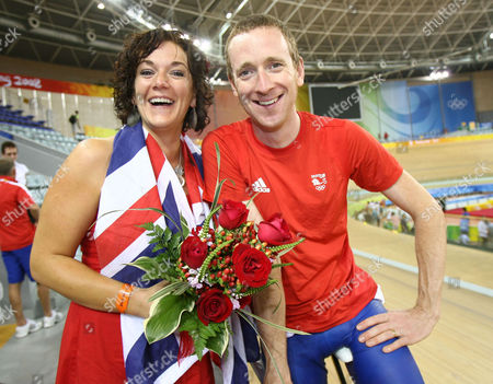 Bradley Wiggins With His Wife Cath Olympics Beijing 2008 Team Pursuit
