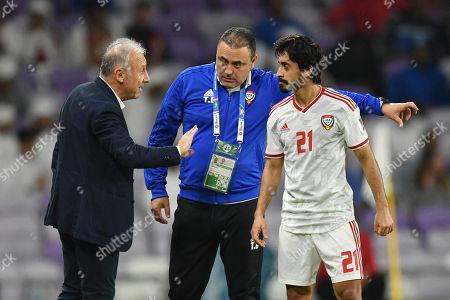 (L-R) Alberto Zaccheroni, Khaflan Mubarak (UAE)