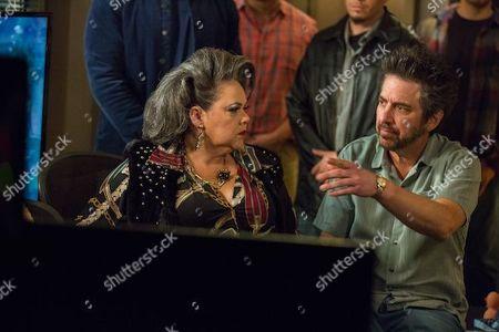 Lidia Porto as Amara De Escalones and Ray Romano as Rick Moreweather