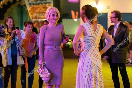 Annie Parisse as Sam and Cobie Smulders as Lisa Turner