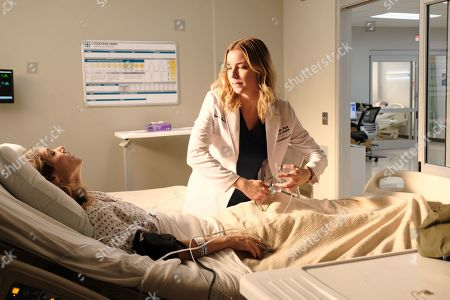 Julianna Guill as Jessie Nevin and Emily VanCamp as Nicolette Nevin
